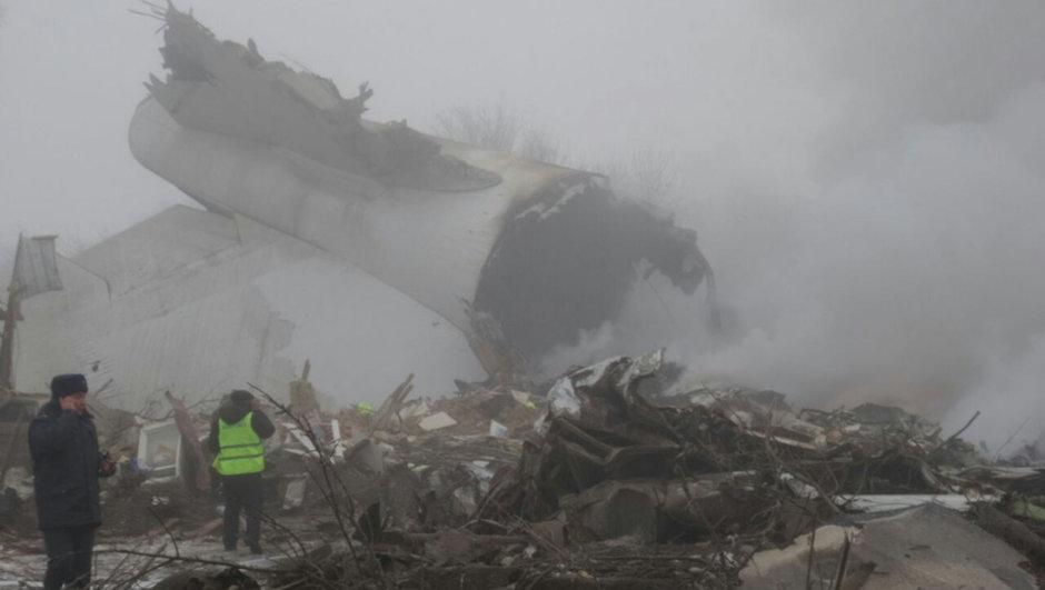 Düşen uçakta ölü sayısı 38'e yükseldi