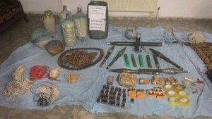 Çukurca'daki operasyonda PKK'ya ait 3 sığınak bulundu