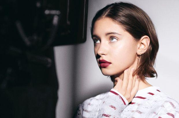Iris Law, Burberry Beauty'nin reklam yüzü