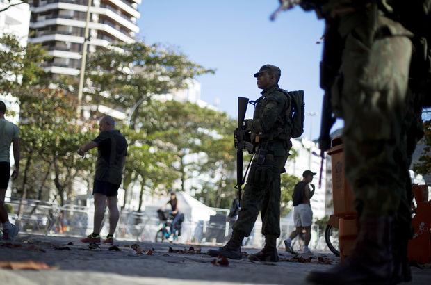 Brezilya'da ordu sokağa indi