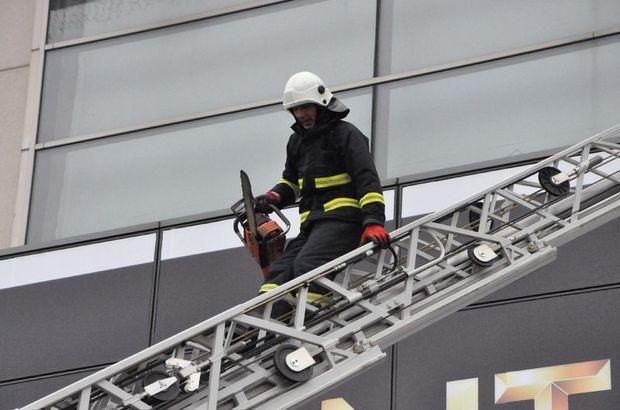 Kocaeli'de AVM'de yangın paniği
