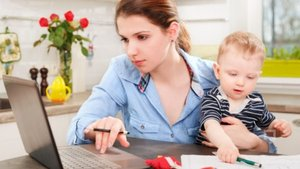 Çalışan anneye bin 500 liraya kadar yardım geliyor
