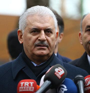 """Başbakan Binali Yıldırım, anayasa değişikliğine ve son dönemde yaşana tartışmalara ilişkin """"MHP ayrı parti, biz ayrı partiyiz ama hedefimiz aynı"""" dedi"""