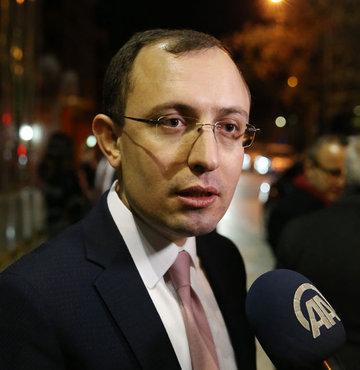 AK Parti Milletvekili Mehmet Muş, İstanbul Emniyet Müdürlüğü ve AK Parti il binasına yapılan saldırılarla ilgili açıklama yaptı.