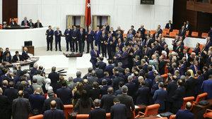 18 maddelik Anayasa değişikliği paketi 339 oyla kabul edildi