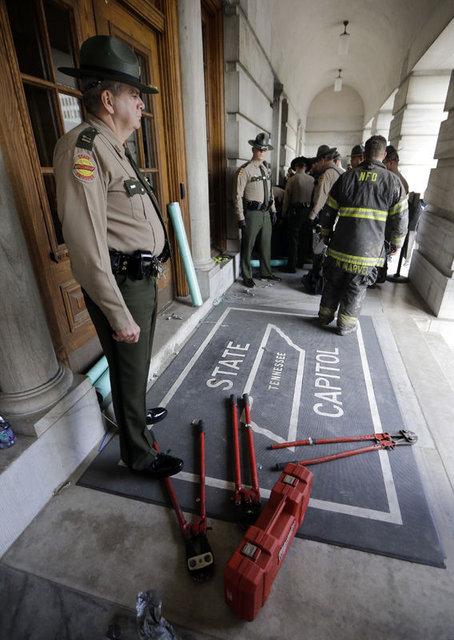 Washington'da cam, çerçeve, biber gazı!