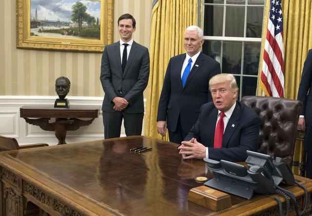 Obama odadan kaldırmıştı, Trump ilk günden geri getirdi!