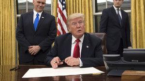Donald Trump göreve hızlı başladı
