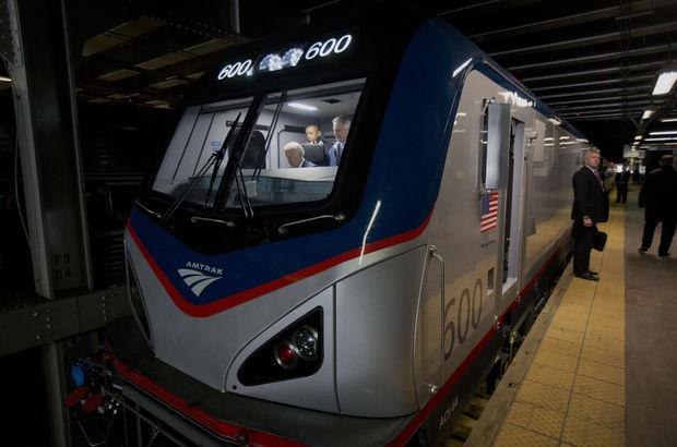 Joe Biden Beyaz Saray'dan çıktı, eve trenle döndü!