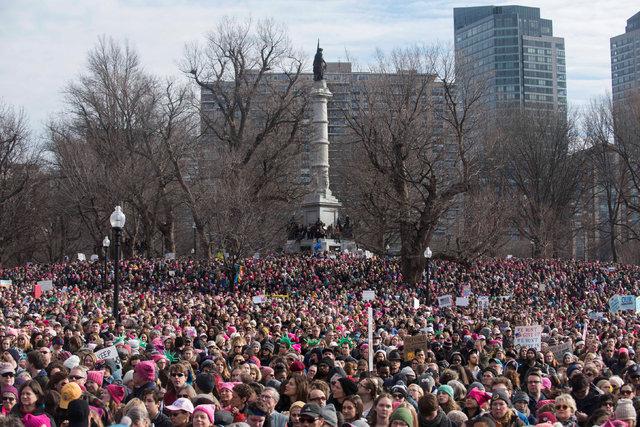 Trump'a karşı 'Kadınlar Yürüyüşü'ne ünlüler akın etti!
