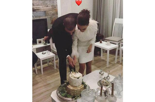 Hande Soral ile İsmail Demirci nişanlandı