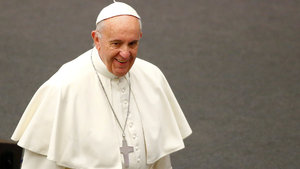 Papa'dan Trump yorumu: Bekleyip görelim