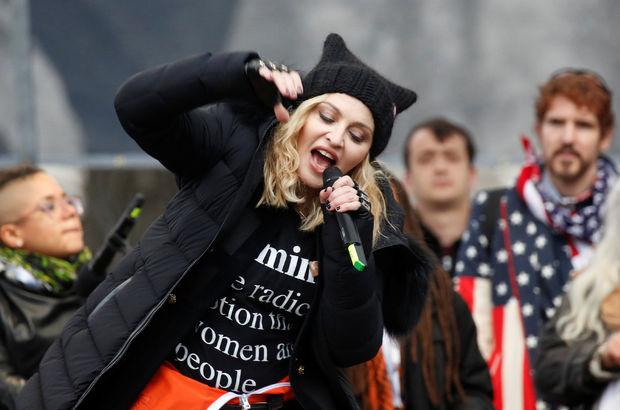 Madonna: Beyaz Saray'ı havaya uçurmayı düşündüm