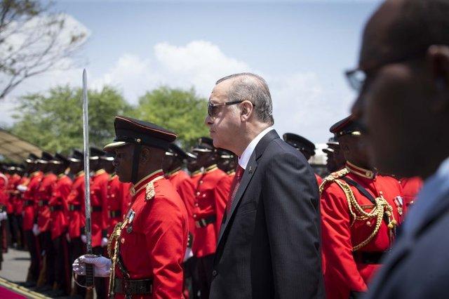 Cumhurbaşkanı Erdoğan Tanzanya'da tamtam çaldı