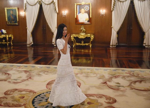 Filipinler Devlet Başkanı Rodrigo Duterte 85 ülkenin güzelleriyle buluştu