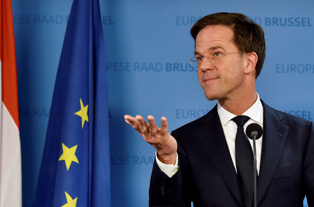 Hollanda Başbakanı'ndan 'ülkeyi terk edin' mesajı