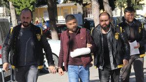 Adana'da bir adam eşine cinsel içerikli mesaj gönderen komşusunu öldürdü