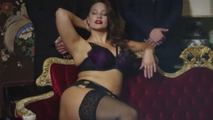 Ashley Graham'dan cesur pozlar