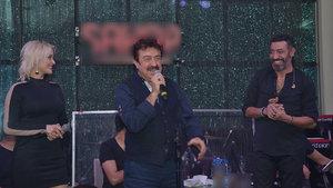 Hakan Altun, Ahmet Selçuk İlkan ve Elif Kaya'nın performansı ayakta alkışladı