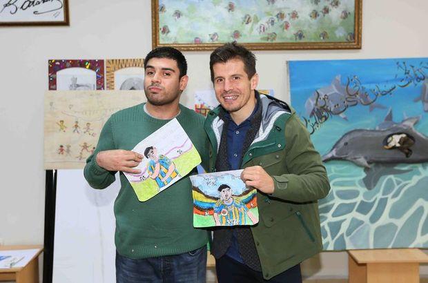 Emre Belözoğlu, engelli sporcularla buluştu
