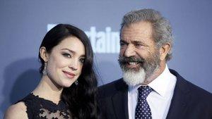 Mel Gibson dokuzuncu kez baba oldu