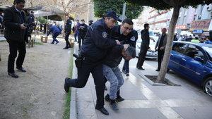 Adliye çıkışı silahlı çatışma