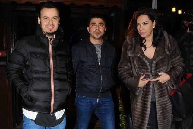 Yeşim Salkım ve Murat Karabova, Akatlar'da yine birlikte objektiflere takıldı