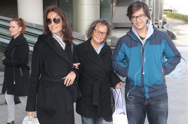 Arzum Onan, annesi ve oğluyla mağazaları gezdi