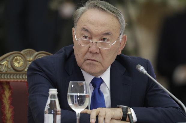 Nursultan Nazarbayev yetkilerinin bir kısmını devrediyor