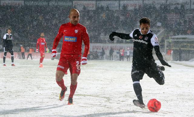 Beşiktaş'ta Adriano yolcu