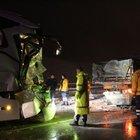 Sivas'ta yolcu otobüsü TIR'a  çarptı: Yaralılar var...