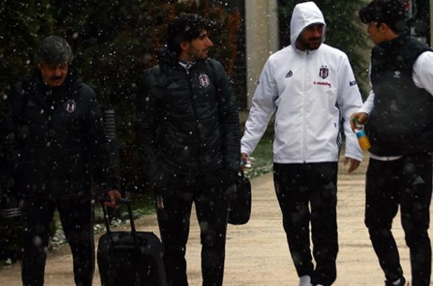 Beşiktaş, Kayseri maçı için Adana'ya ulaştı
