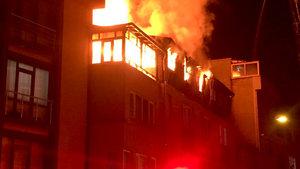 Üsküdar'da bir binada yangın