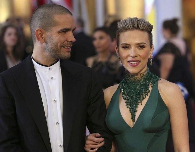Scarlett Johansson'dan ayrılık haberlerine fotoğraflı cevap