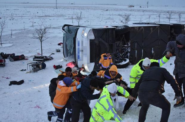 Konya'da yolcu otobüsü devrildi
