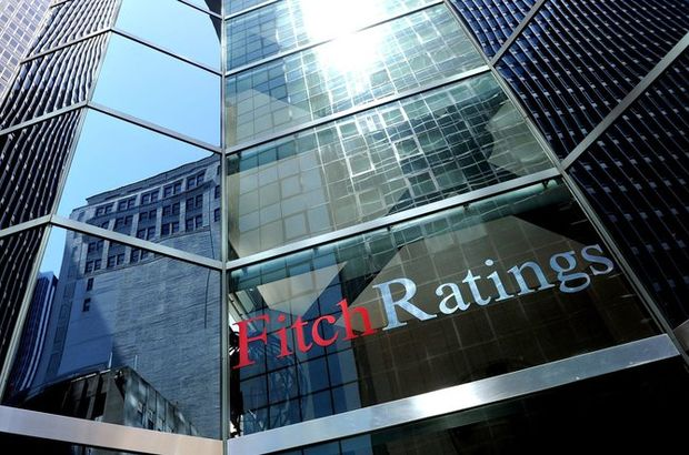 Analistler Fitch Ratings'in Türkiye'ye verdiği notu değerlendirdi