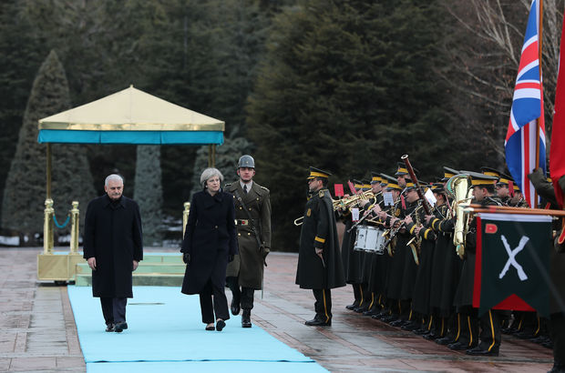 İngiltere Başbakanı'na resmi karşılama töreni
