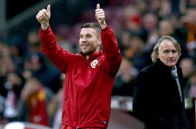 Lukas Podolski için bomba iddia: Podolski, yıllık 8 milyon Euro'ya Vissel Kobe ile anlaştı