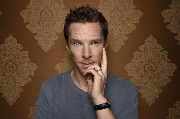 Benedict Cumberbatch, Elbow'un klibinde oynadı