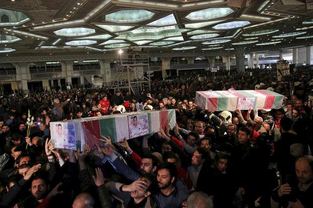 İran kaybettiği itfaiyeciler için ağlıyor!