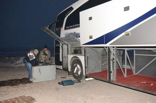 Aksaray'da otobüsün mazot deposundan kaçak sigara çıktı