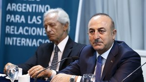Mevlüt Çavuşoğlu: FETÖ'nün peşini Arjantin'de de bırakmayacağız