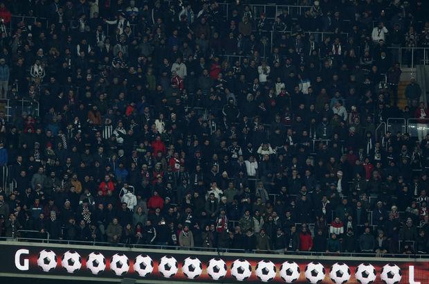 Vodafone Arena'da Aziz Yıldırım tezahüratı