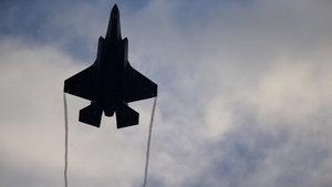 Donald Trump'tan F-35 açıklaması