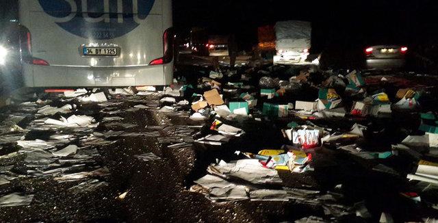 Uşak'ta otobüs kamyona arkadan çarptı: 1 ölü 12 yaralı