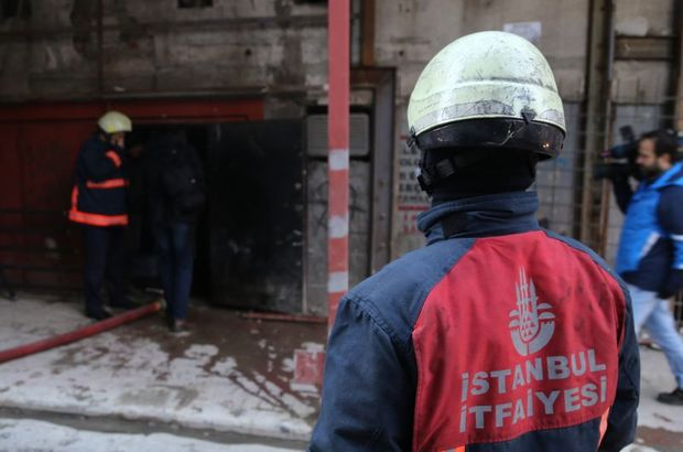 Beyoğlu'nda tadilattaki binada yangın
