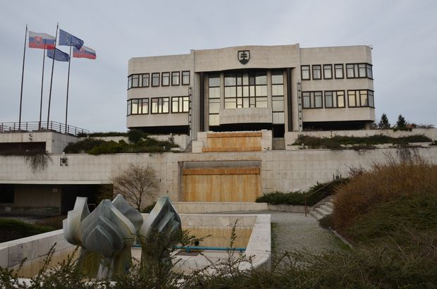 Slovakya'da meclis İslam karşıtı yasayı onayladı