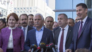 MHP'de muhalifler 'Hayır' kampanyası başlatıyor