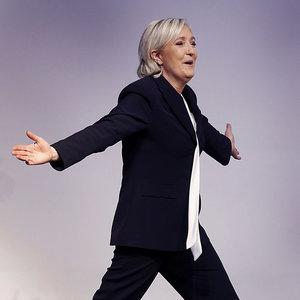Fransa'nın Cumhurbaşkanı adayının maaşına haciz geldi!