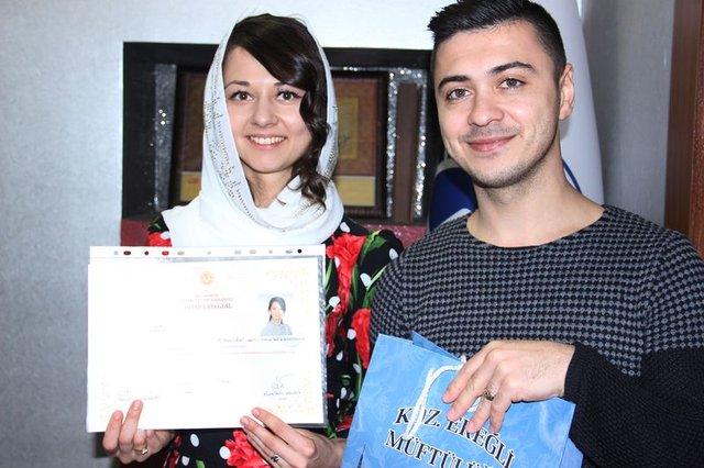 Ukraynalı genç kadın İslamiyet'i seçti